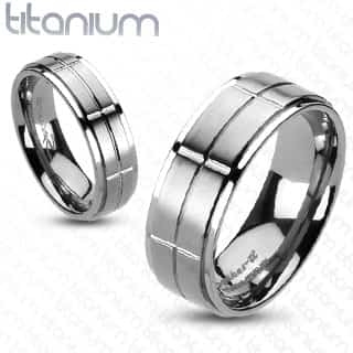 Image of   Titanium ring i blokmønster