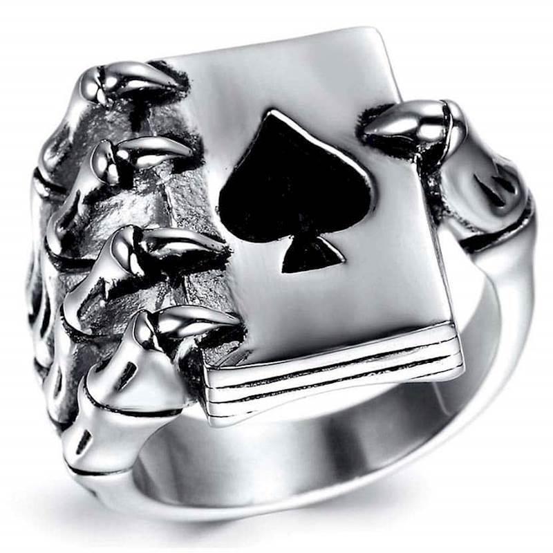 Pokerhand skull